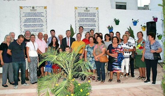 Official opening of Antonio Gala Square, between Calle Guadiana and Calle Montecillo