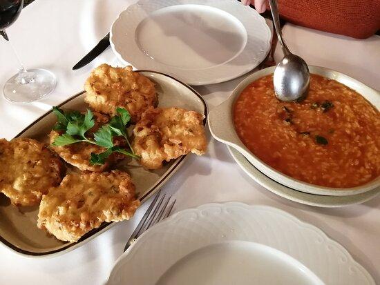 Pataniscas com arroz de tomate