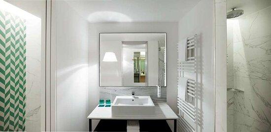 MAXX by Steigenberger Vienna, Austria - Deluxe Plus room Bathroom