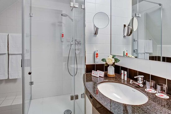 IntercityHotel Celle, Germany - Bathroom
