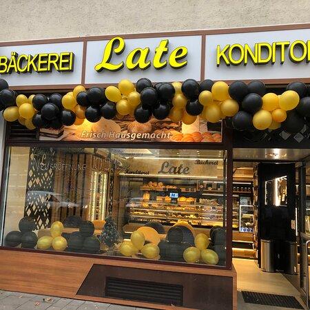 Wien Simmering Station: Bäckerei Late Konditorei