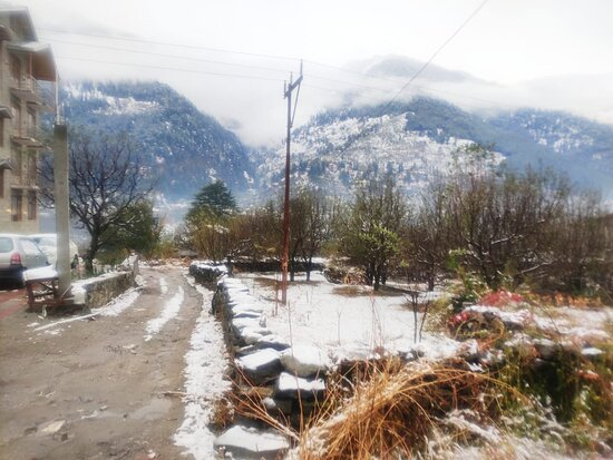 Snow in Manali