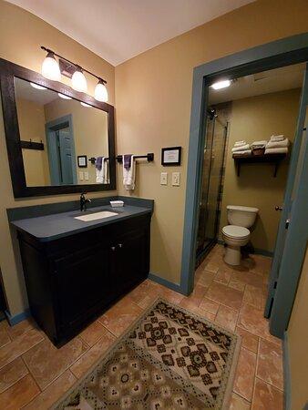 Courtyard Bathroom 2020