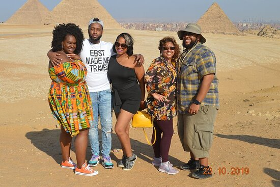 Budget Half day tour to Giza Pyramids...
