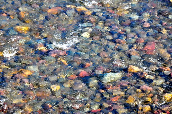 Flathead National Forest, MT: Even in winter you will see Glacier's famous colorful rocks in the lakes and river beds.