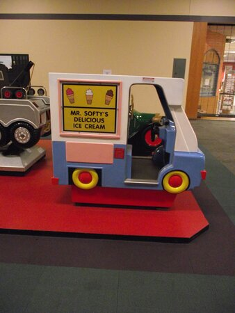 NH - ROCHESTER - LILAC MALL – KIDDIE RIDE #1