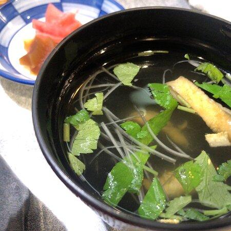 隠れ家で楽しむ一人前ずつ釜炊きするご飯と年季の入ったタレが抜群の美味しいうな重