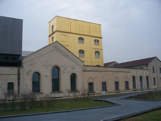 Piazza Adriano Olivetti