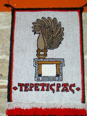 Souvenirs de mes Voyages --- Mexique -- Décorations et emblèmes dans un restaurant de la ville de Tlaxcala 20.12.20