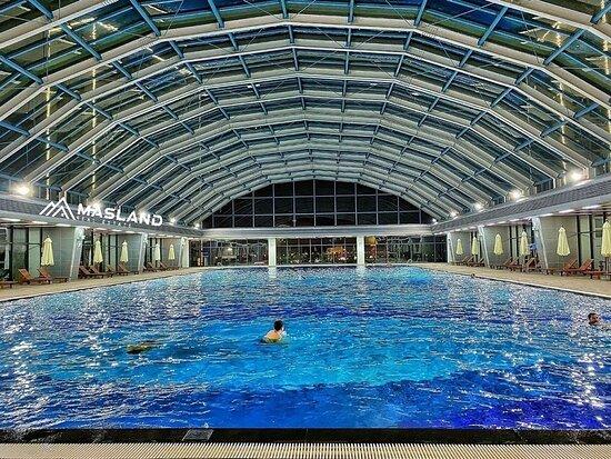 Hanoï, Vietnam : Bể bơi 4 mùa tại khu Sapphire Vinhomes Ocean Park Gia Lâm, Hà Nội.