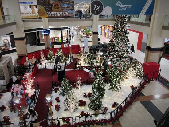 Northwoods Mall , Merry Christmas &  Happy Holidays time! 2200 W War Memorial Dr, Peoria IL. December 2020