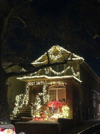 Brooklyn, NY: Dyker Heights Christmas 2020