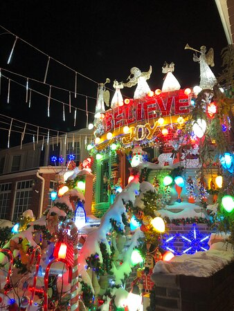 "Brooklyn, NY: ""Believe""- Christmas 2020 in Dyker Heights"
