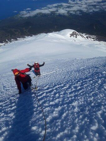 Ascensiones guiadas al volcán Osorno ruta de ascensión con Peripillan Expediciones