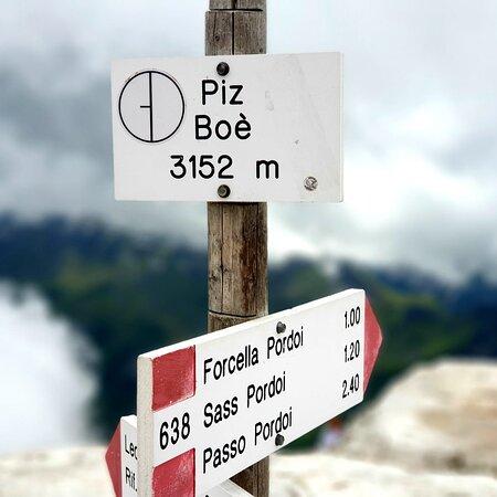 Sulla via del Piz Boè, per chi ama la montagna, escursione per esperti con attrezzatura adeguata