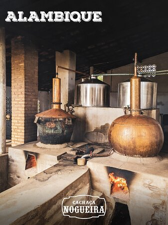 Um pouco da nossa tradição em produzir Cachaça de alambique.