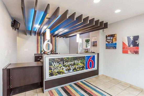 Motel Boise ID Lobby