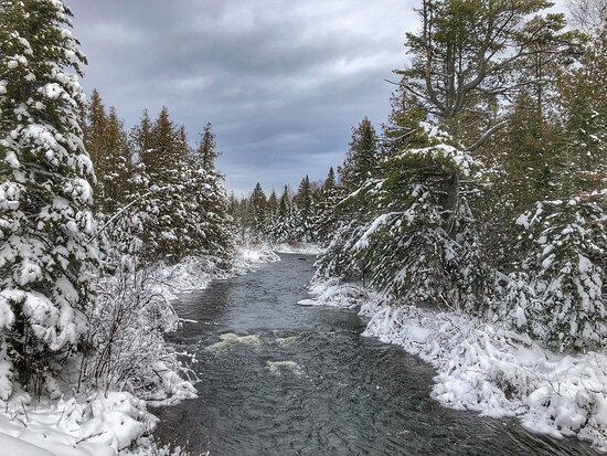 Bradford, ME: Winter scenes at Twin Maple Outdoors