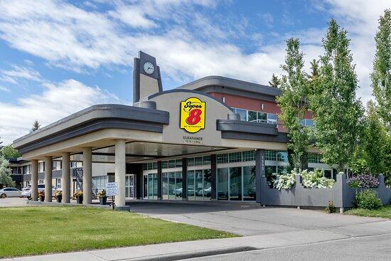 Super 8 by Wyndham Macleod Trail Calgary, hoteles en Calgary
