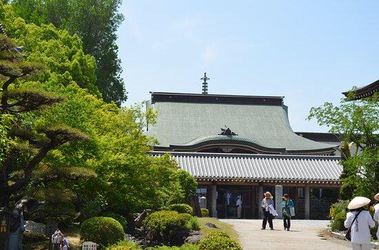 安楽寺さんの本堂