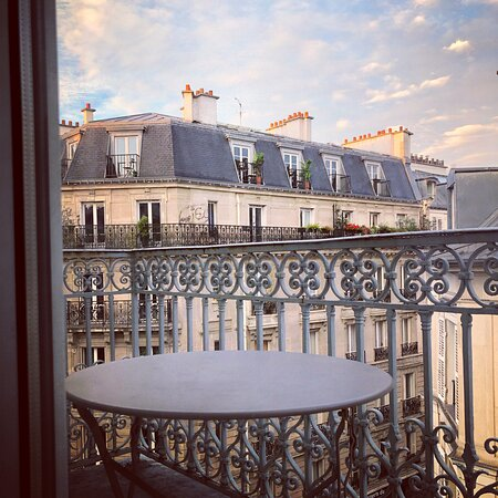 Un seul étage avec balcon , n'oubliez pas de préciser votre souhait! nous ferons au mieux pour satisfaire votre demande