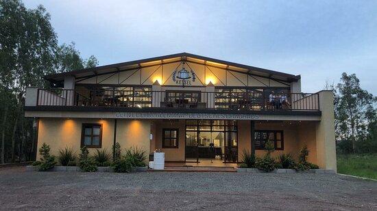 Ypacarai, Παραγουάη: Kessel Cervecería Artesanal