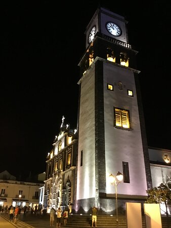 The bell tower with the facade.