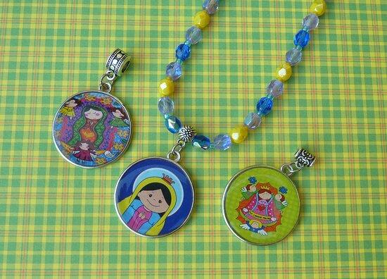Sao Jose Dos Campos, SP: Colares infantis. Bela Rainha Presentes. Shopping Centro SJCampos, loja 30, 1º andar.
