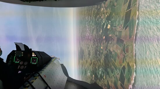 Lyon, France: Avion de chasse (à 90°C)