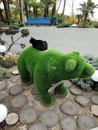 Киса и медведь