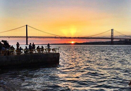 Lisboa, Portugal: Cacilhas Sunset