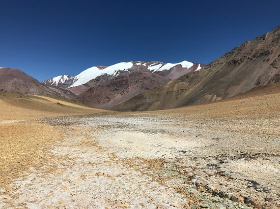 Aitue Mountain Guides