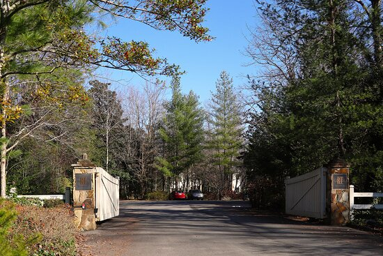 RT Lodge, 1406 Wilkinson Pike, Maryville, TN -  Beautiful wooded grounds with hiking and walking paths