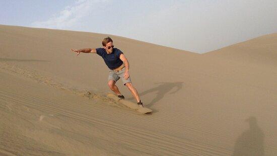 Sandboarding en el desierto