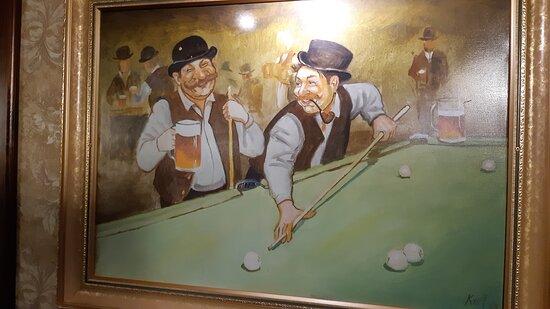 Väggdekorationstavla på puben.