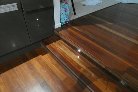 From the living area one has to step up to the bed and spa area via two steps of around 150mm height.   We viewed this as a safety concern particularly moving from the kitchenette to the bedroom area due to the steps being extended to abut the kitchen cabinet.
