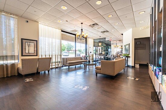 Spacious and comfy waiting area at Cincinnati's top beauty salon Mitchell's Salon & Day Spa