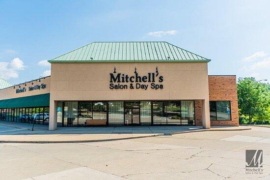 Storefront at Cincinnati's best beauty salon Mitchell's Salon & Day Spa