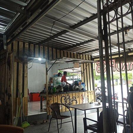Makassar, Indonesia: Kopinya enak, tempatnya adem dan pelayanannya baik
