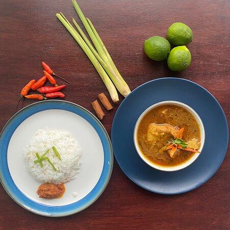 NEPALI AND INDONESIAN STREET FOOD!