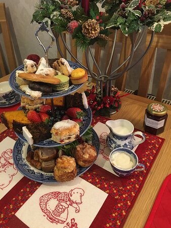Festive afternoon tea 2go
