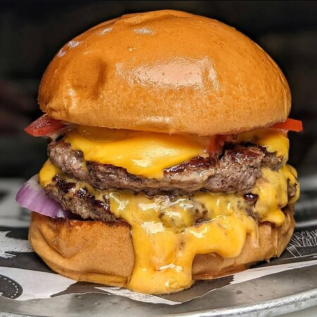 Sarzana, Italy: ⛔New Jersey ⛔ 🔽 Doppio cheesburger 🔽Salsa burger El Toros 🔽Cipolla 🔽 Pomodoro  Follower Instagram @el_toros27