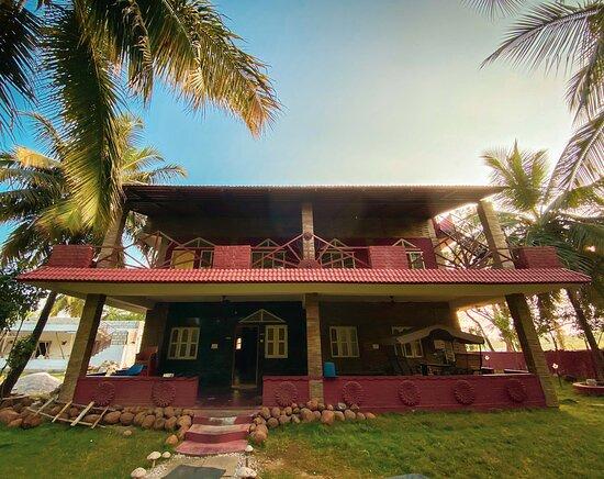 Kanakapura, India: Front view of the Farm House