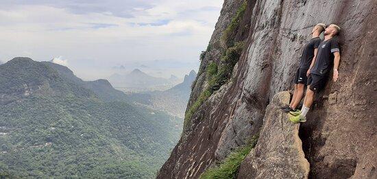 Rio de Janeiro, RJ: Une randonnée exceptionnelle en forêt de Tijuca. Un sentier physique, qui offre en contrepartie au sommet des points de vues incroyables sur la ville de Rio.