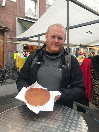 A hungry bird from Iceland eating the biggest Stroopwafel