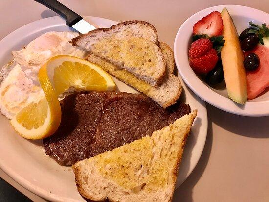 Osawatomie, KS: Steak and eggs