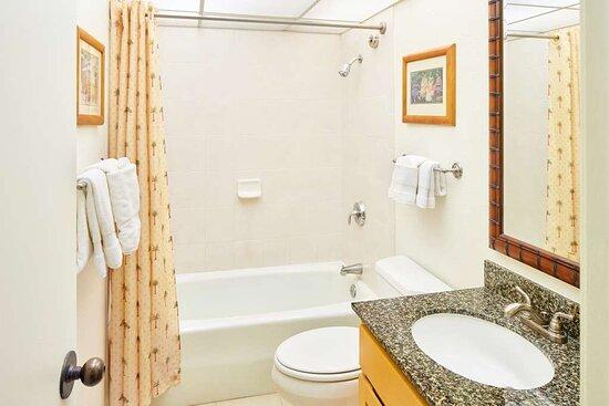 Aston Kaanapali Shores - Bathroom