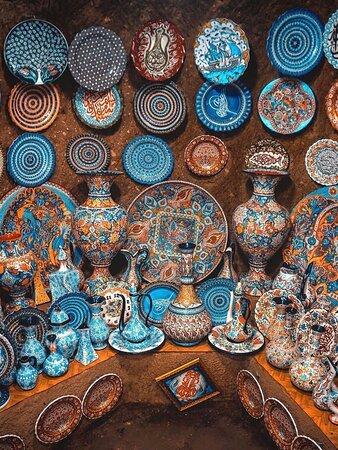 Une matinée à Istanbul: excursion d'une demi-journée comprenant la Mosquée bleue, Sainte-Sophie, l'hippodrome et le grand bazar : Hand Made ceramics in Turkey   Travel With Reza +905070497462 ✅   Please do not hesitate to ask me for any details