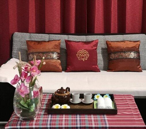 Un programme simple et complet. Faire simple en vous laissant le choix de personnaliser votre séance :  - un programme simple fait pour faciliter et orienter votre choix - échangez avec la praticienne pour un massage comme vous l'aimez - une tasse de thé Thailandais pour cloturer la séance