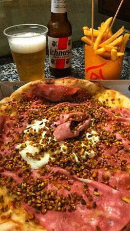Pizza al Pistacchio e Mozzarella